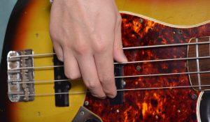 2フィンガーの親指